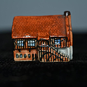 Old Doll Miniature Cottage Dollhouse English