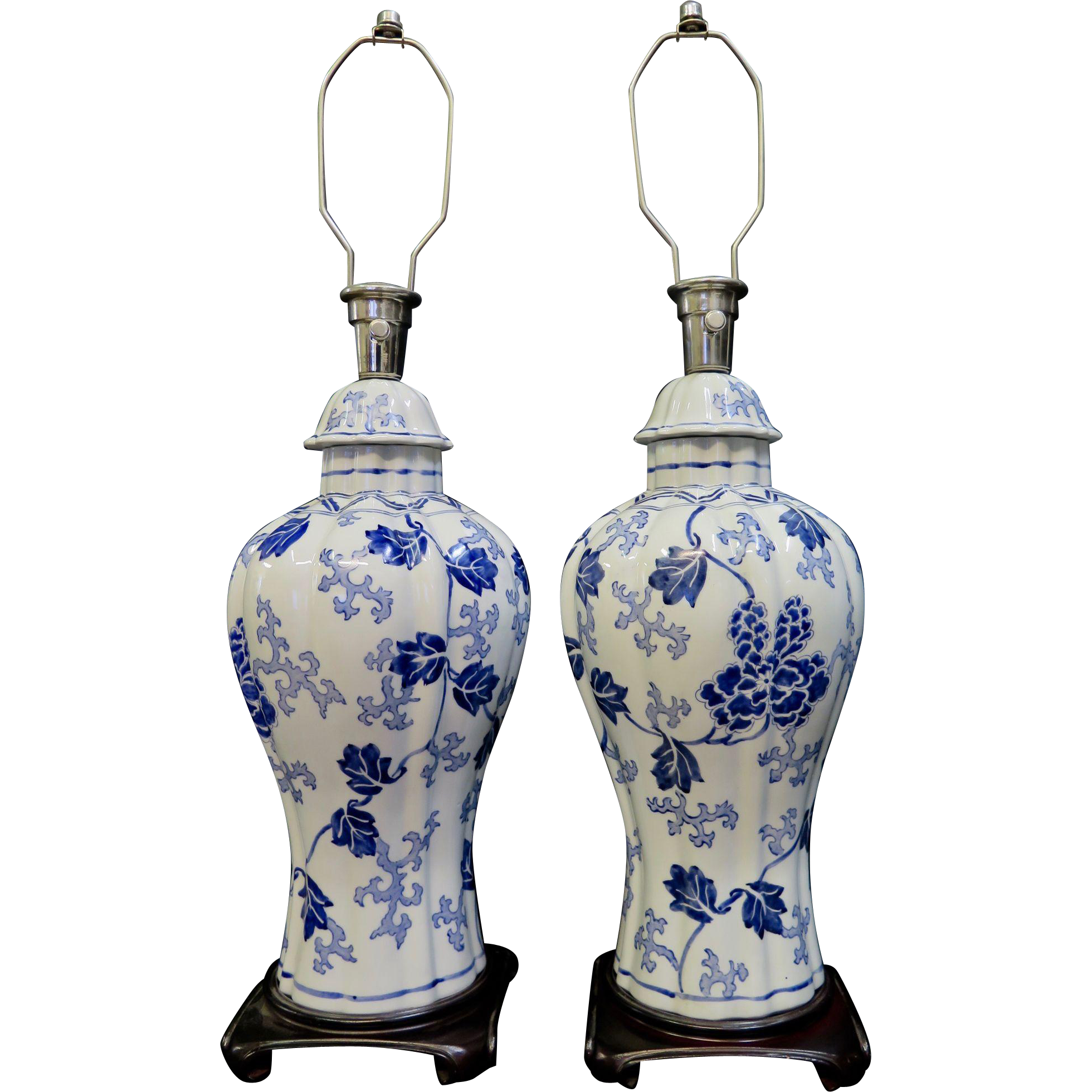 Vintage pair of chinese decorated porcelain table lamps from vintage pair of chinese decorated porcelain table lamps mozeypictures Images