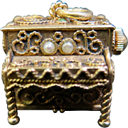 "Vintage ""active"" 14K Gold Musical (Piano) Charm"