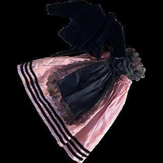 Original Jumeau regional costume