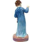 Royal Doulton Figurine Wee Willie Winkie HN 2050