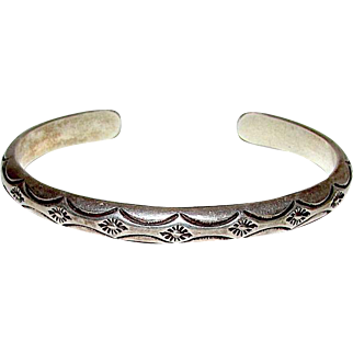 Native American Navajo Old Pawn Sterling Silver Cuff Bracelet with Hand Etched Design 30gr Artist Signed