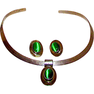 TAXCO Mexican Sterling Silver Green Cat Eye Stone Earrings and Necklace Set