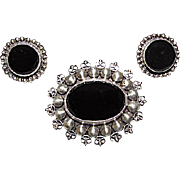 Taxco Mexican Sterling Silver 925 Onyx Brooch and Clip On Earrings Set Crown Hallmark