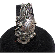 Old Pawn Navajo Sterling Silver Large Statement Ring Size 5.5 Squash Blossom Design Fine Quality Estate Jewelry