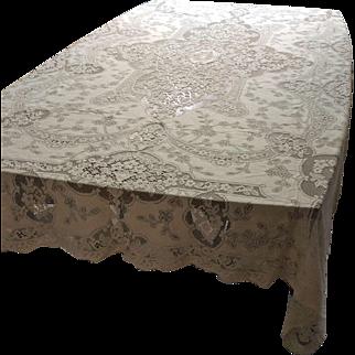 """Vintage Quaker lace tablecloth 86"""" x 67"""""""