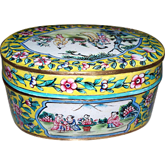Antique Chinese Enamel Large Box   Mother with children   ca. 1900