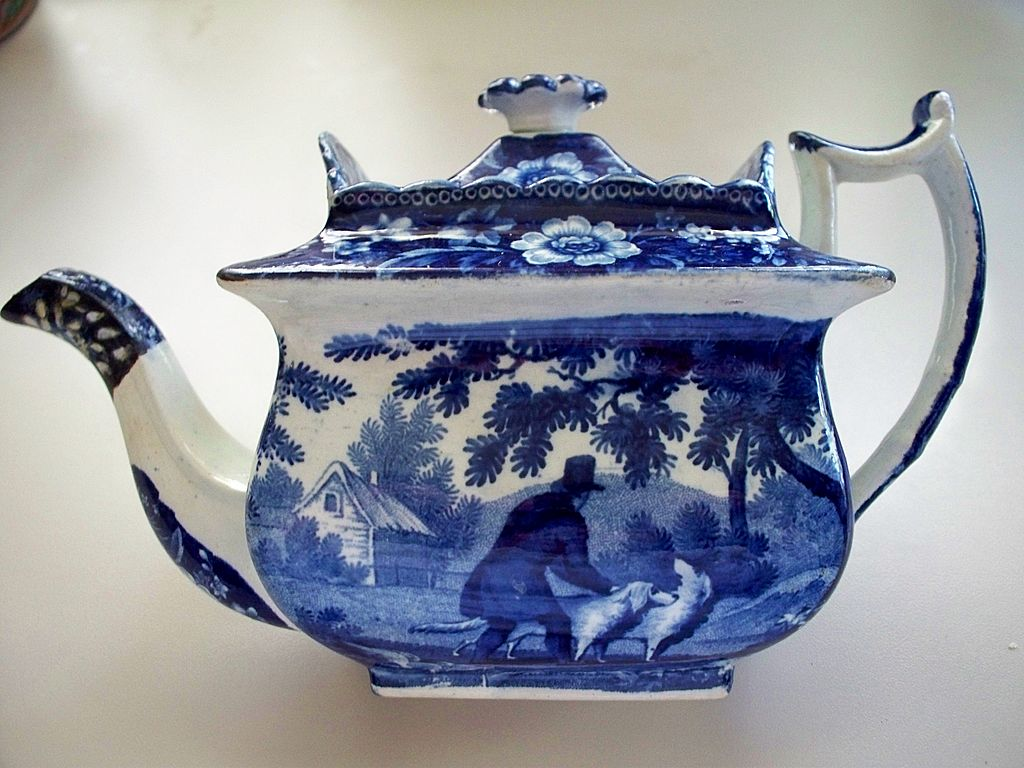 Antique Pearlware Deep Cobalt -Blue Beehive Tea Pot  Dogs circa 1810
