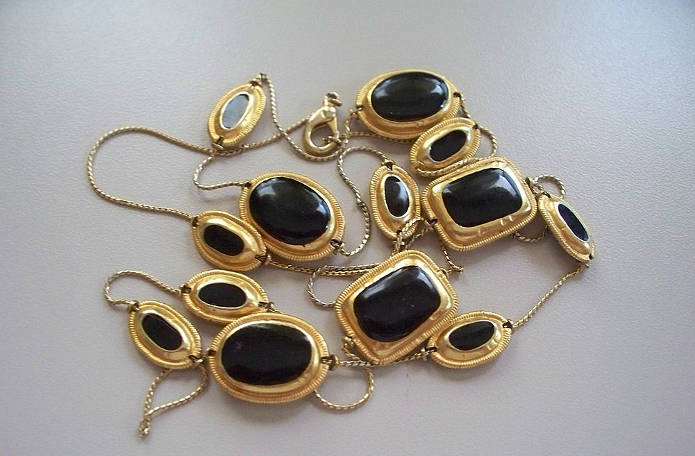 "Onyx  35"" Necklace Metropolitan Museum of Art  1960s"