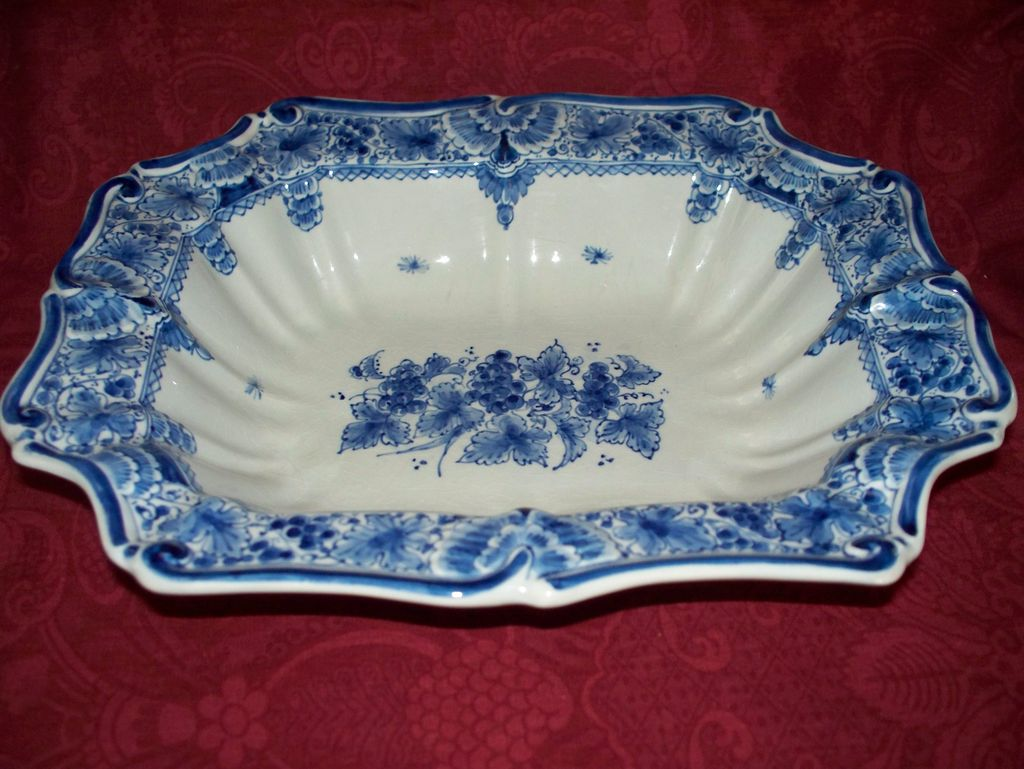 Antique Large Delft Porceleyne Fles Grape -Vines Center Bowl     ca.1900   Unique