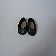 """All original antique Shoes 2,5 x  1 1/4""""  for cabinet sized doll"""