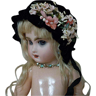 """Wonderful velvet Hat forget me nots for 18"""" to 21"""" antique german bisque french bebe Jumeau 7 to 8"""