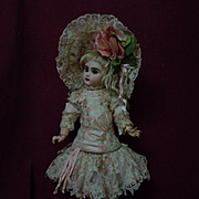 Exquisite french bebe Couturier Costume Dress w/ Petticoat and Hat for antique Jumeau Steiner Bru  doll