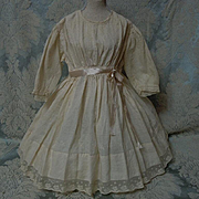 Beautiful Antique beige batiste Dress for french bebe Jumeau Steiner huge doll