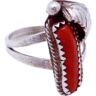 Vintage Southwestern Native Tribal Sterling Silver Red Coral Ring