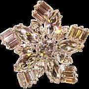 Fabulous STAR SHAPED Clear Rhinestone Vintage Brooch