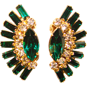 Fabulous GREEN BAGUETTE Vintage Rhinestone Clip Earrings
