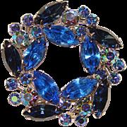 Fabulous Weiss Blue Mixed Rhinestones Vintage Brooch