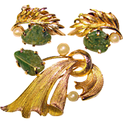 LISNER Signed Vintage Green Nugget Stones Brooch SET