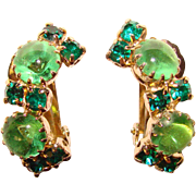 Gorgeous GREEN GLASS & Rhinestone Vintage Clip Earrings