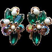 Gorgeous GREEN RHINESTONE Vintage Clip Earrings