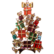Awesome Avon Collectible Christmas Tree Pin