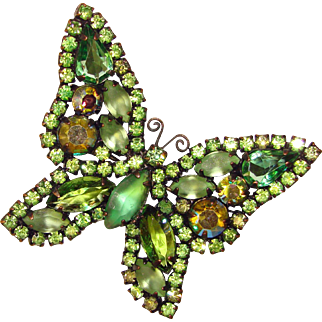 Fabulous WEISS Signed Butterfly GREEN Rhinestone Vintage Brooch