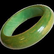 Gorgeous GREEN BAKELITE Marbled Amber Vintage Bangle Bracelet - Chunky