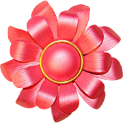 Gorgeous PEARLESCENT PINK Vintage Dimensional Flower Brooch