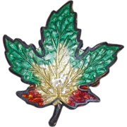 Awesome STERLING & ENAMEL Vintage Tiny Maple Leaf Signed Pin Brooch