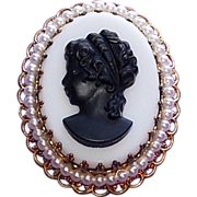 Gorgeous West Germany Glass Cameo Vintage Estate Pin Brooch