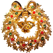 Awesome Vintage CHRISTMAS WREATH with BELLS Rhinestone Brooch