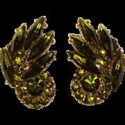 Fabulous PERIDOT GREEN Vintage Rhinestone Clip Earrings