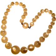 Gorgeous White MOONGLOW LUCITE Vintage Beads Necklace