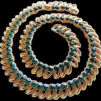 Fabulous TRIFARI Green Rhinestone Vintage Necklace