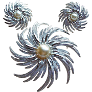 Gorgeous SARAH COVENTRY Pinwheel Vintage Brooch Set