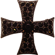 Fabulous WEISS Signed Black on Black Vintage Rhinestone Brooch