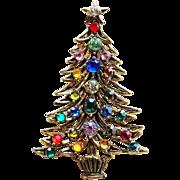 Signed HOLLYCRAFT Rhinestone Christmas Tree Brooch