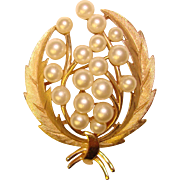Fabulous TRIFARI Signed Faux Pearl Vintage Estate Pin Brooch
