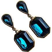 Gorgeous 1980s Trifari Teal Blue Stones Vintage Earrings - Signed