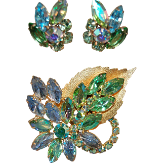 Iridescent Juliana DeLizza & Elster Rhinestone w/Metal Leaf Accent Brooch and Earring Set!