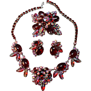 Magnificent DeLizza & Elster Juliana Iridescent Molded Leaf & Glass Cabachon Necklace, Brooch & Earrings