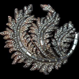 """Massive Curled """"Feather"""" Crown Trifari Rhinestone Embedded Dimensional Brooch!"""