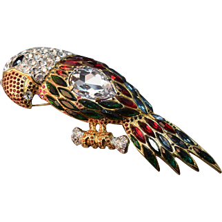 MASSIVE DIVINELY DECADENT Valentino Signed Figural Rhinestone Embedded Parrot Brooch