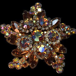 SHIMMERING iridescent Rhinestone Swirled Star Juliana DeLizza & Elster Brooch!