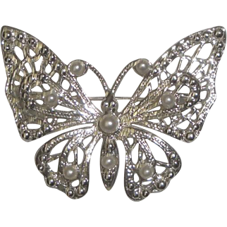Silvertone Butterfly Pin Brooch with Faux Pearl Beads