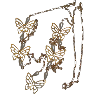 Pretty Goldtone Necklace with Butterflies and Pearly Beads