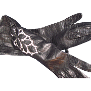 Drmatic Reeks of Class Floral Design Black Leather Gloves Free P&I US Buyers