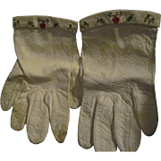 Small Pr Embroidered White Leather Doll Gloves Free P&I US Buyers