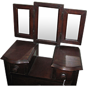 Wonderful Vermont Salesman's sample Vanity for China or Bisque dolls Free P&I US Buyers